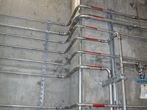 Sieben Schedule 10S Edelstahlrohrleitungen, verbunden mit Vic-Press™-Kupplungen und -Formteilen